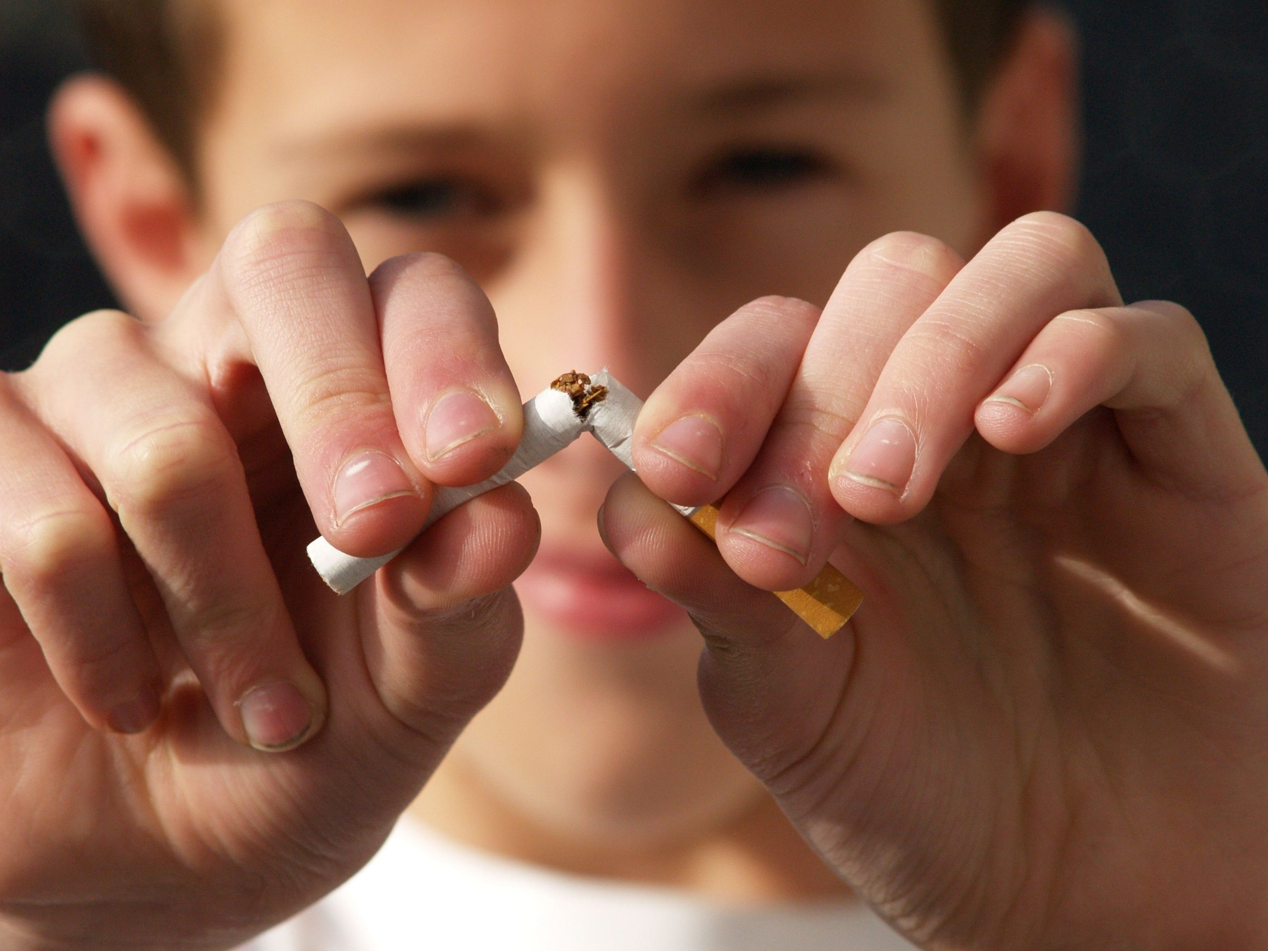 Dentist in Arlington | Tobacco & Your Teeth: The Risks of Chewing and Smoking